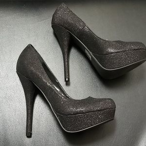 Black sparkly heels brand new with box! Size 7